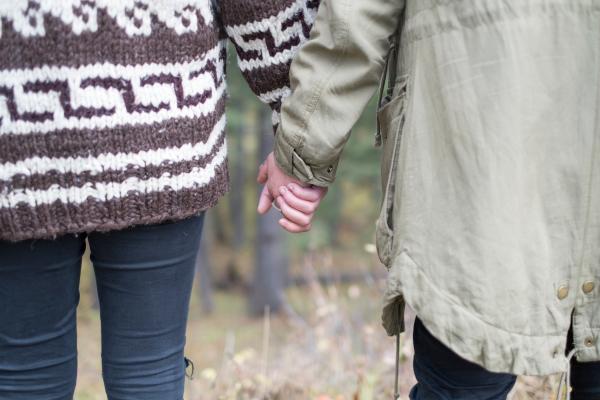Ik pak je hand...