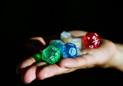 Dobbelen en gokken voor beslissingen