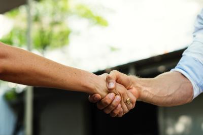 Sociaal: Een Mentor is een vertrouwenspersoon die jouw belangen voorop heeft staan